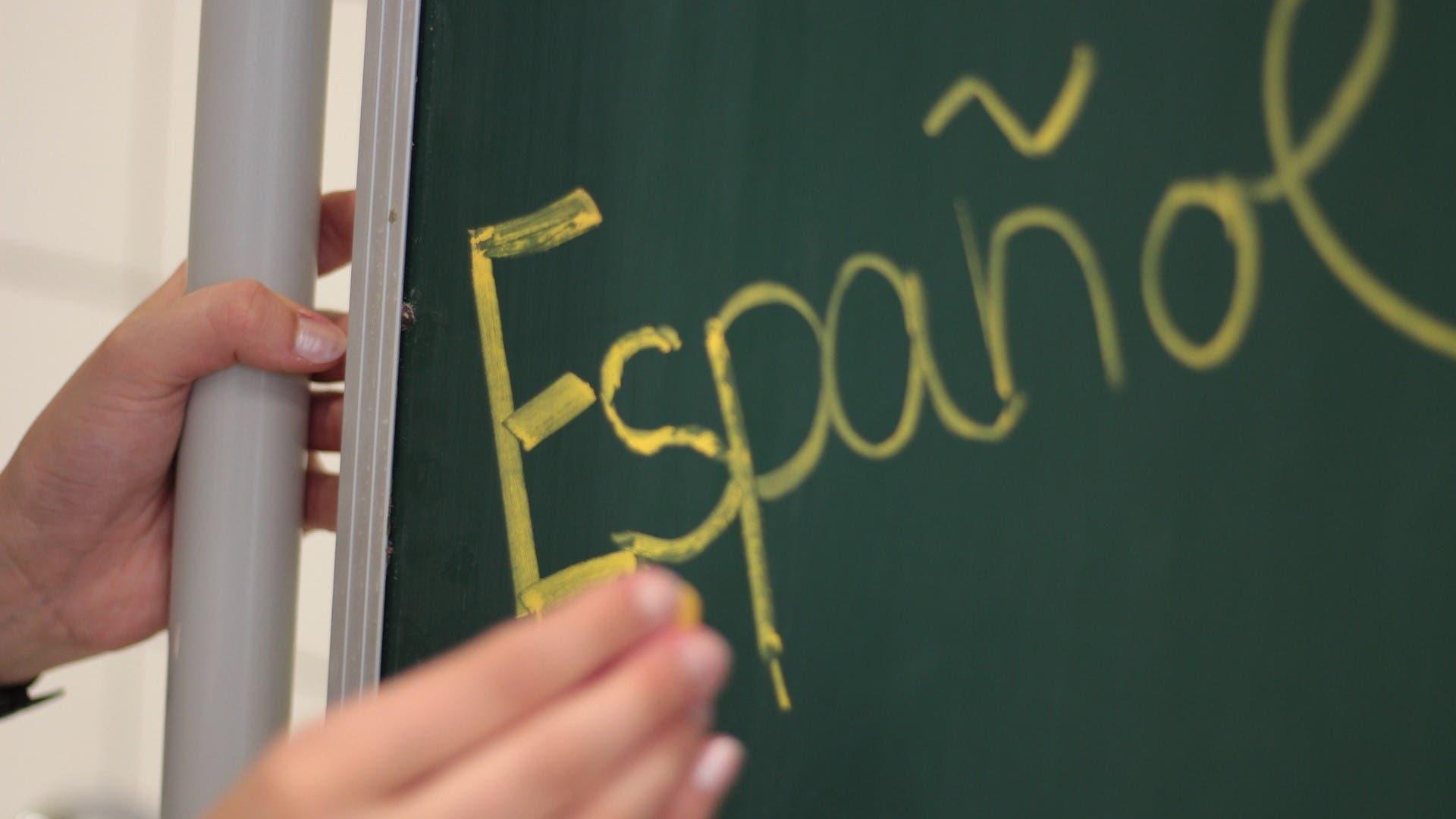 Estados Unidos busca maestros mexicanos para que den clases de español