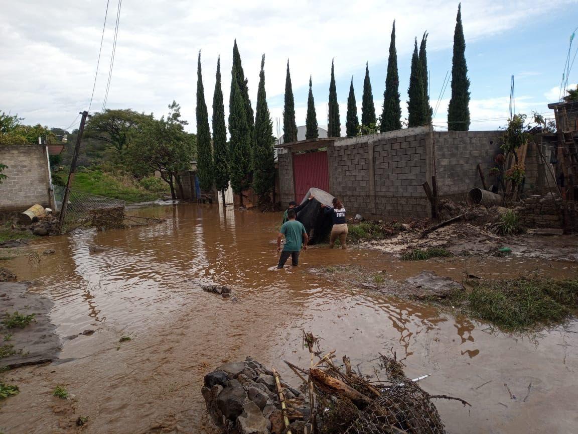 Se desborda Río Yautepec e inunda 10 casas en Atlatlahucan