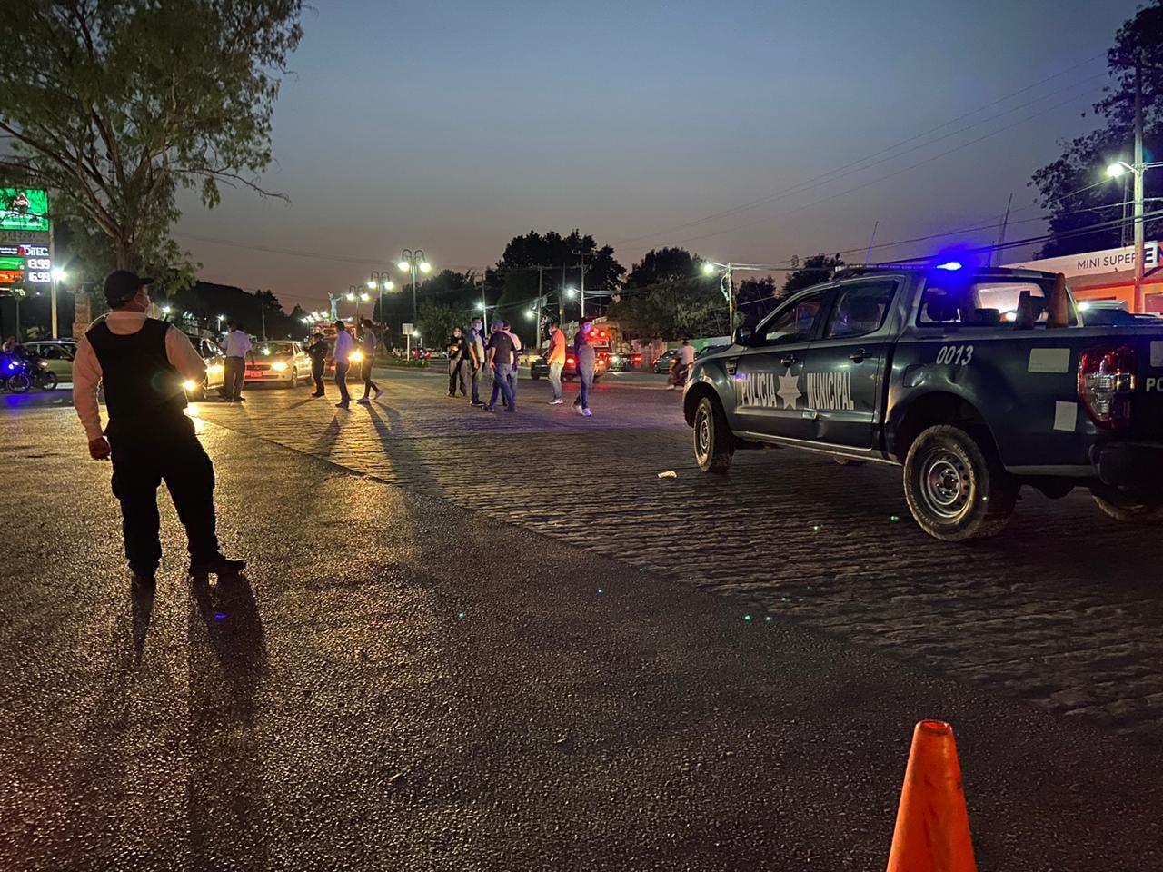 Cierran acceso a Tepoztlán e instalan retenes; impiden entrada a turistas