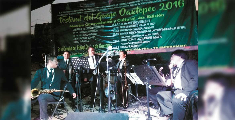 Sonidos. El ritmo lo puso la Big Band Jazz, cuya actuación aplaudieron los visitantes.