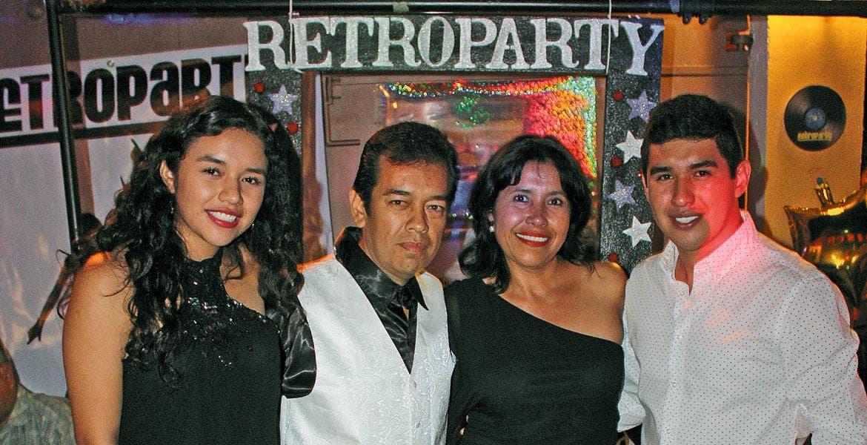Valeria y Hugo Adrián Patiño, padre, Maricela Trujillo y Hugo Adrián Patiño, hijo.