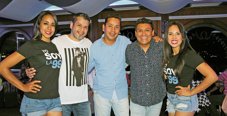 Laura Barrios, Javier Dorantes, Christian Reyes, Miguel Barrientos y Karla Bustillos.