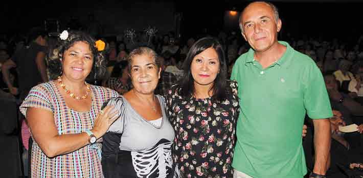 Alicia y Patricia Baquedano, Araceli Mejía y Marco Vega.