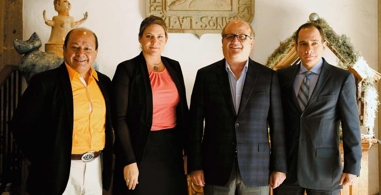 Encuentro. El Gobernador Graco Ramírez acompañado por expertos del Banco Mundial y del INEGI tras la presentación de resultados de evaluación de su gestión.