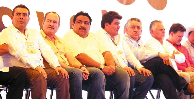 Destacan. Las figuras de Galileos (de izq. a der.) el secretario Jorge Messeguer, los ediles Raúl Tadeo y Manuel Agüero, y los diputados Guadalupe Acosta y Javier García.
