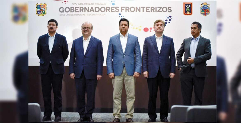 Encuentro. El Gobernador Graco Ramírez, acompañado por sus homólogos de Tamaulipas, Francisco García Cabeza de Vaca; Nuevo León, Jaime Rodríguez Calderón; Javier Corral de Chihuahua y de Baja California, Francisco Vega Lamadrid.