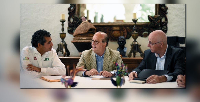 Acuerdos. En días pasados, el Gobernador Graco Ramírez y el director de CFE, Enrique Ochoa, acordaron trabajar coordinados para mejorar el suministro de energía eléctrica en el Parque Industrial Cuautla.