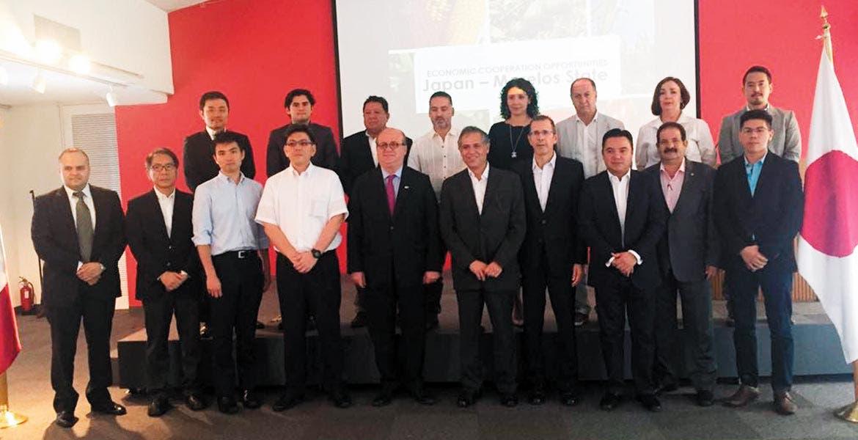 Graco Ramírez encabeza una comisión de empresarios agropecuarios, secretarios de despacho y líderes de cúpulas empresariales para buscar nichos de mercados en Japón