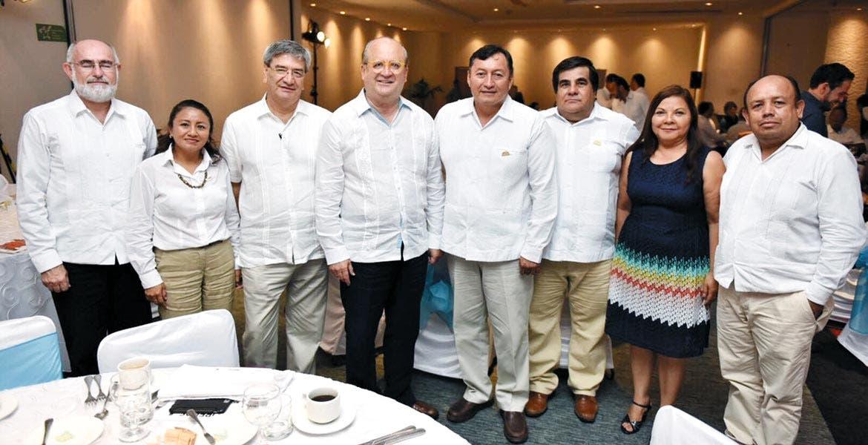 Encuentro. Promueve el Gobernador Graco Ramírez el Encuentro Empresarial que se realizará en Morelos.