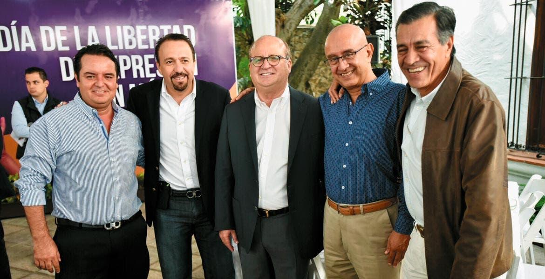 Evento. El Gobernador Graco Ramírez acompañado por Pablo Rubén Villalobos y José Manuel Pérez Durán, colaboradores de Diario de Morelos