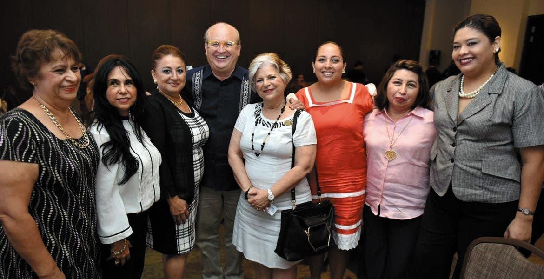 Invitación. El Gobernador Graco Ramírez invitó a empresarios de Yucatán a participar en el encuentro que se realizará en Morelos.