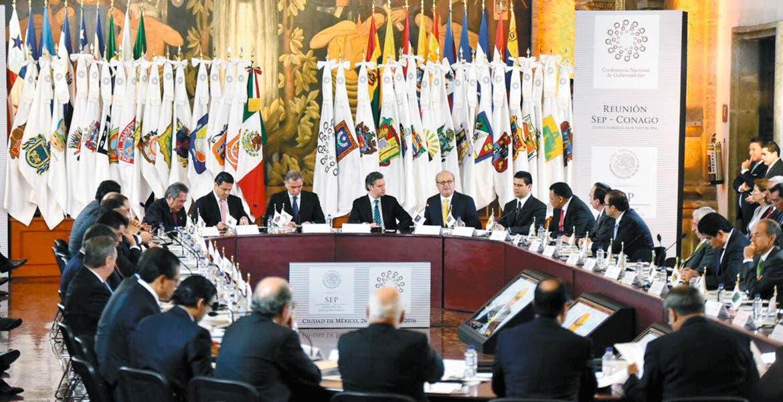 Analizan. Integrantes de la Conago encabezados por el gobernador Graco Ramírez se reunirán hoy en Nuevo Laredo.