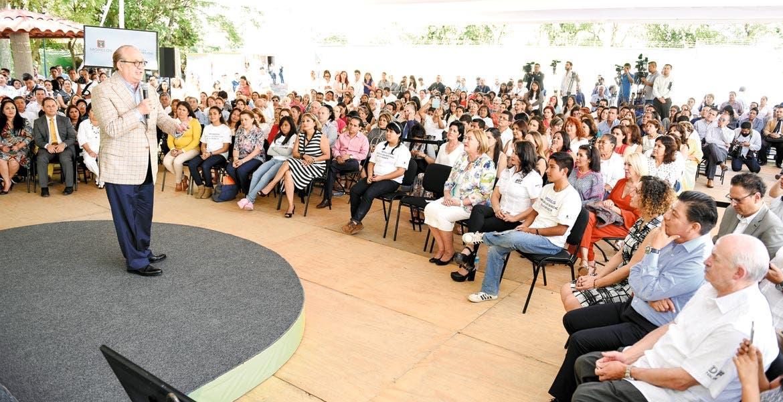 Compromiso. Una de las prioridades del Gobierno es continuar las acciones en la construcción de una sociedad de derechos, dijo Graco Ramírez.