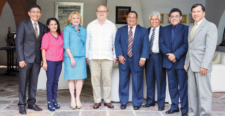 Acercamiento. El Gobernador Graco Ramírez destacó el esfuerzo que han puesto los jueces para la aplicación del Nuevo Sistema de Justicia Penal. El presidente de la asociación, Martín Montes, dijo que hay el compromiso de administrar justicia de calidad.