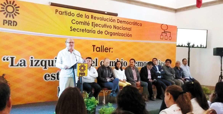 Conferencia. El Gobernador Graco Ramírez habló de su esxperiencia como responsable de un gobierno progresista ante alcaldes, líderes partidistas y sociales del país.