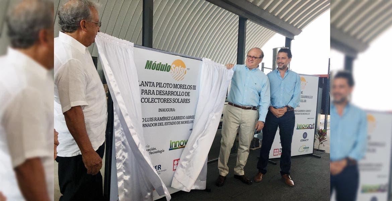 Parque. El Gobernador Graco Ramírez y los empresarios Octavio y Daniel García, al inaugurar la nueva planta