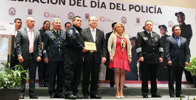 Premiados. El Gobernador Graco Ramírez reconoció la labor de los elementos de la Policía Morelos, y dijo que gracias a ellos en la entidad hay mejores condiciones para la inversión.