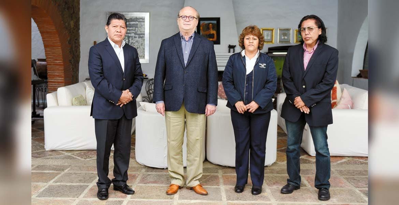 Buscan solución. El Gobernador Graco Ramírez se reunió en la Residencia Oficial con los representantes de los sindicatos de trabajadores administrativos y de académicos universitarios, donde lograron acuerdos para sacar adelante a la UAEM.