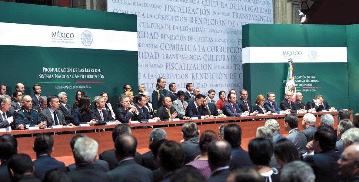 Presencia. El Gobernador Graco Ramírez presente en la Promulgación de las Leyes del Sistema Anticorrupción.