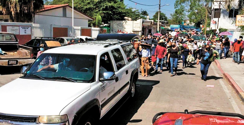 Rinden homenaje a médico fallecido de Zacatepec