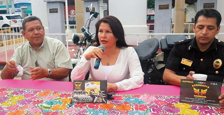 Reclamo. Antes, familiares de víctimas reclamaron a Hortencia Figueroa por las irregularidades encontradas en las fosas