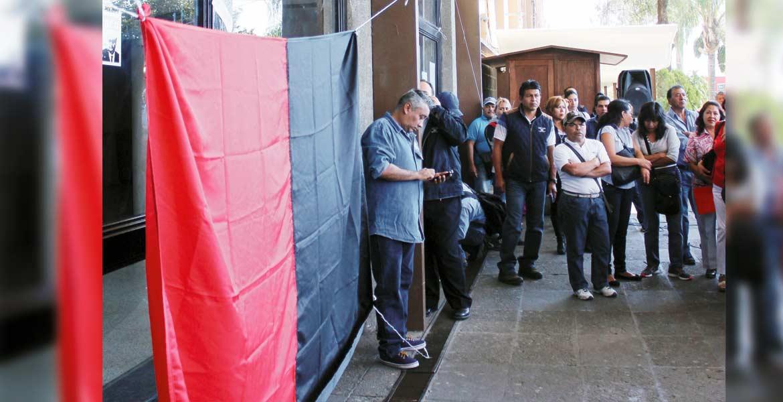 Parálisis. Las banderas de huelga ondean desde este jueves en la UAEM.