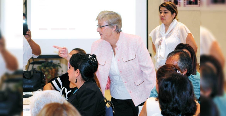 Evento. La consejera presidenta del Impepac, Ana Isabel León Trueba, durante su participación en el Parlamento de Mujeres 2017.
