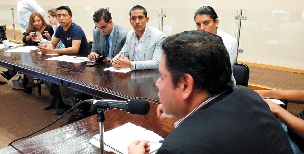 Reunión. El director del Impajoven, Alexis Ayala Gutiérrez, mencionó que es necesario implementar el alcoholímetro en los 33 municipios de Morelos, para evitar accidentes con consecuencias fatales.