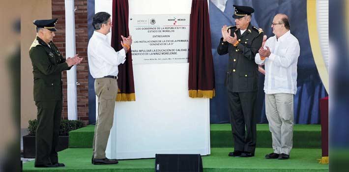 Visita. Salvador Cienfuegos, secretario de la Defensa Nacional, el titular de Educación a nivel nacional ,Aurelio Nuño Mayer, y el Gobernador Graco Ramírez.