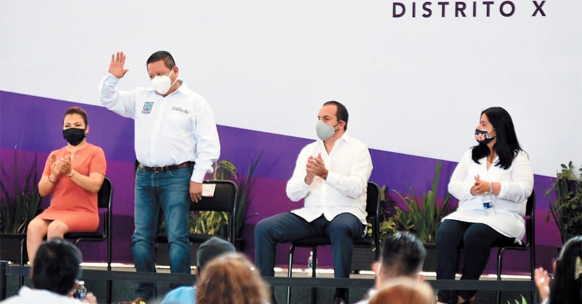 Acude Gobernador de Morelos a segundo informe del diputado José Luis Galindo