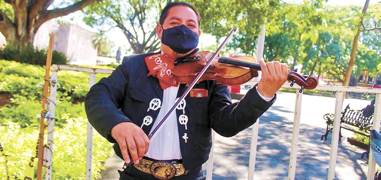 """Día del Mariachi: """"Éramos 28 grupos de mariachi, quedamos seis"""", dice Jesús Bustos"""