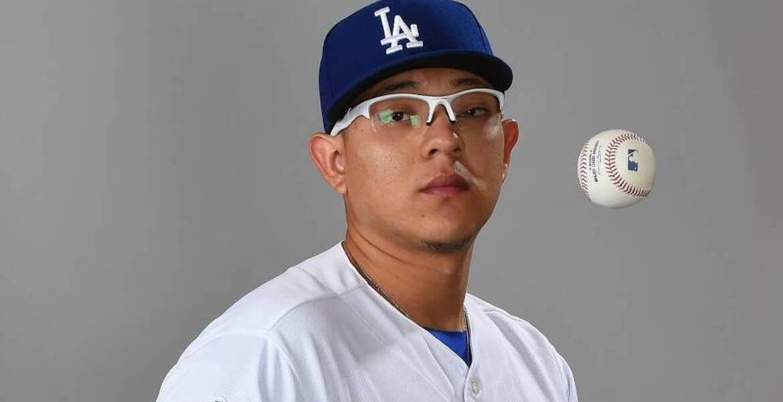 """Julio Urías superó la marca de Fernando """"El Toro"""" Valenzuela con los Dodgers"""