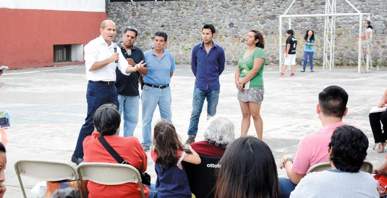 Visita. Jaime Álvarez convocó a tabajar unidos, para mejorar las condiciones