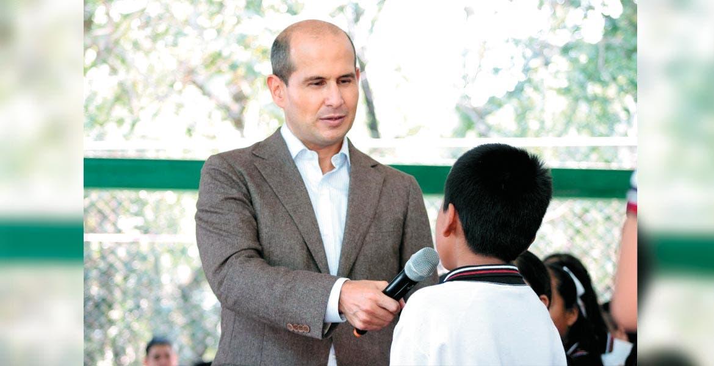 Labor. El diputado local destacó la relevancia de trabajar de la mano con padres de familia para impulsar el desarrollo de los niños