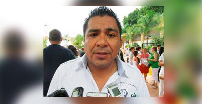 Esperanzados. Edil Alfonso de Jesús Sotelo Martínez.