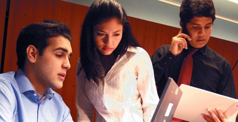 Reformas - El Colegio de Administradores asegura que se tienen que desarrollar programas productivos que les permitan a los universitarios a generar empleos a favor de otras personas.