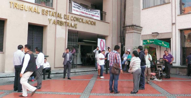 Diligencia. Representantes del Ayuntamiento y de los demandantes se dieron cita en el Tribunal de Conciliación y Arbitraje.