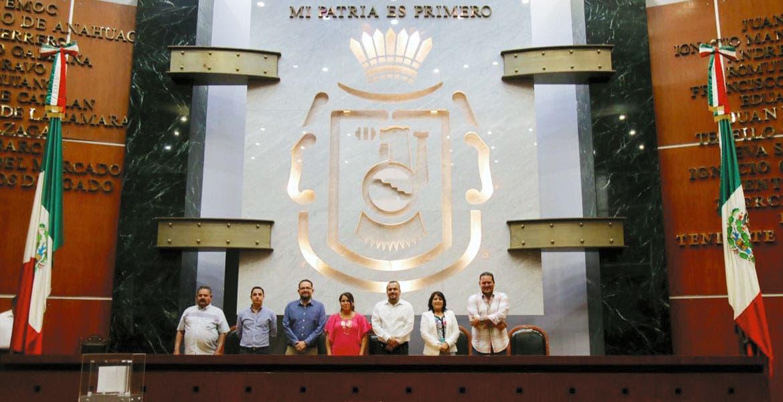 Visita. Los diputados morelenses realizaron un recorrido e intercambiaron logros con sus homólogos del estado vecino. La anfitriona fue la legisladora Flor Añorve Ocampo.