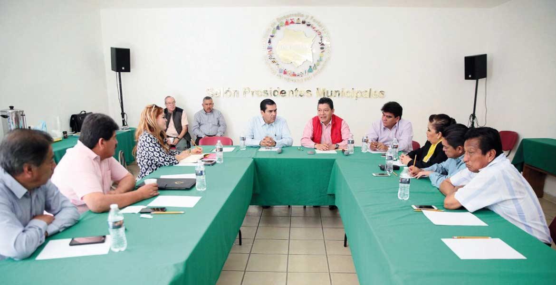 Reunión. El secretario de Gobierno, Matías Quiroz Medina, presentó el proyecto a sólo once alcaldes, de los 33 convocados
