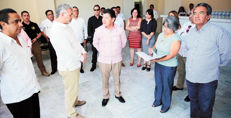 Recorrido. El secretario de Gobierno, Matías Quiroz Medina, visitó las instalaciones de las UMECAS