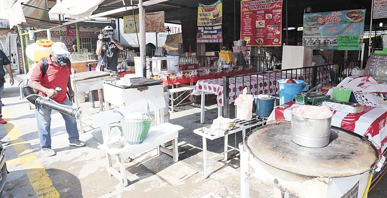 Sanitizan mercados de Oaxtepec y Cocoyoc en Yautepec