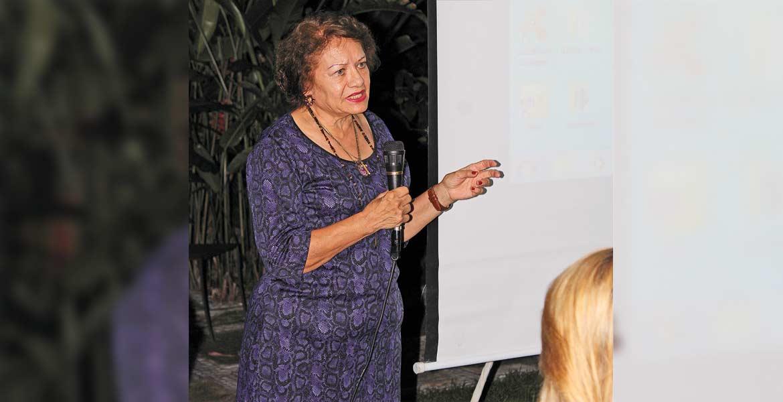María Teresa Benítez.