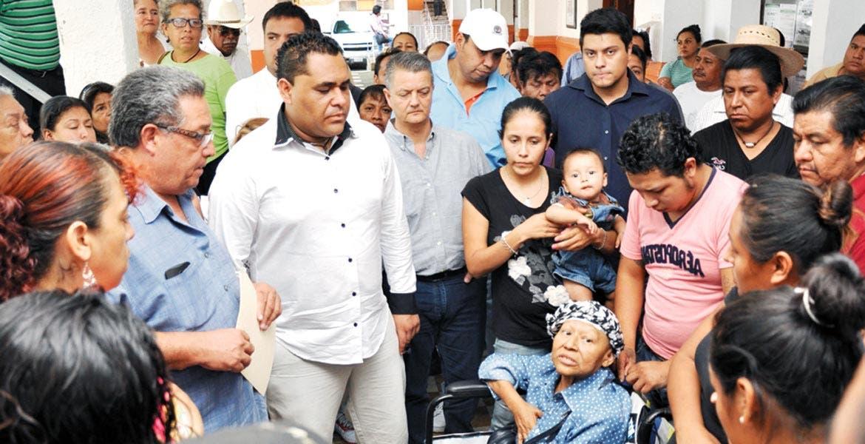 El Secretario de Desarrollo Económico y Turismo, de Cuernavaca, Juan Pons Díaz de León, aseguró que el propósito de las reuniones con comerciantes es encontrar entre todos, alternativas para que ellos sigan con su actividad pero de forma regular, ordenada y dentro de la ley.