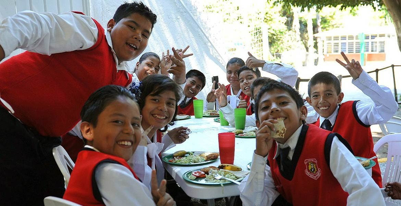 De acuerdo con el IEBEM, 50 por ciento de alumnos no ingiere alimentos antes de ingresar a clases