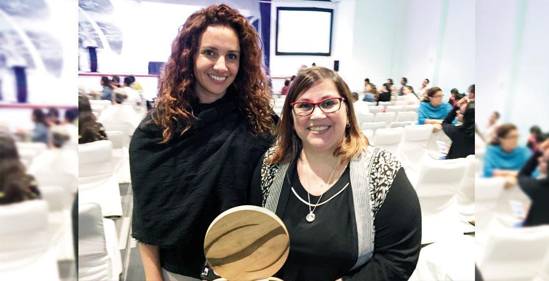 Reunión. La secretaria de Turismo, Mónica Reyes Fuchs, acompañada por la directora de la Secretaría para las Américas de la Organización Internacional de Turismo Social (OITS), Verónica Gómez.