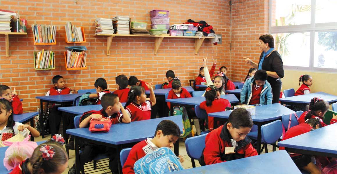 Próximo. IEBEM alista los espacios para el próximo ciclo escolar, 2017-2018.
