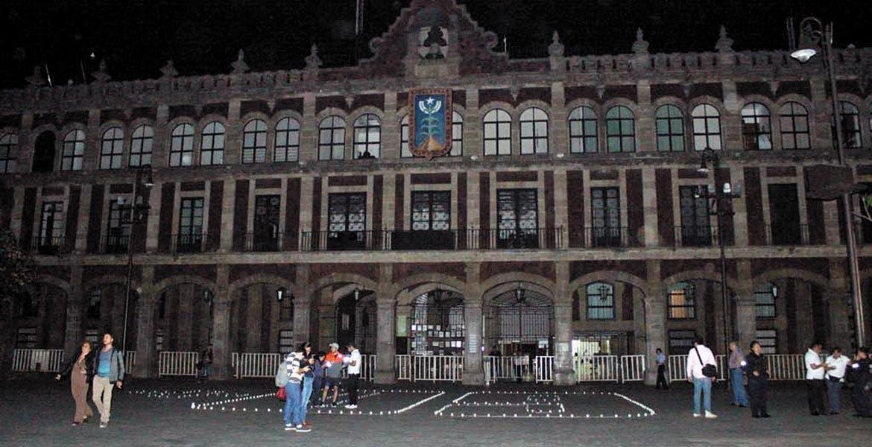 Penumbra. Casa Morelos fue uno de los edificios emblemáticos de la entidad que se sumaron al apagón en favor del planeta.