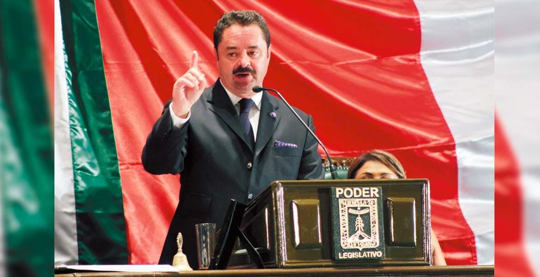 Postura. Francisco Moreno Merino aseguró que trabajará con firmeza para impulsar las iniciativas que favorezcan a los morelenses.