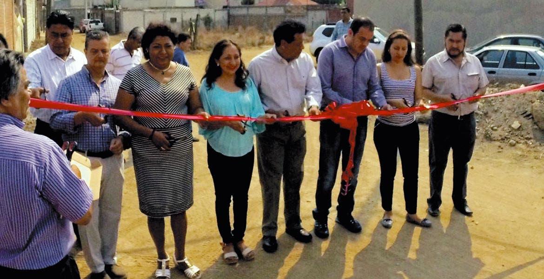 Representantes de vecinos reconocieron las gestiones del alcalde Cuauhtémoc Blanco para llevar recursos federales a las localidades que más los requieren