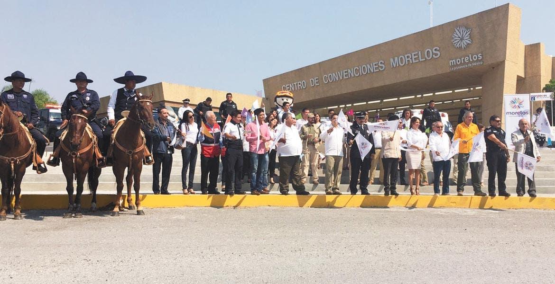 Coordinación. Autoridades del gobierno del estado y la Policía Federal dieron el banderazo de inicio a la estrategia para obtener una Semana Santa segura.